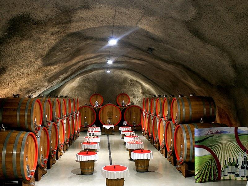 Винный туннель, Черногория